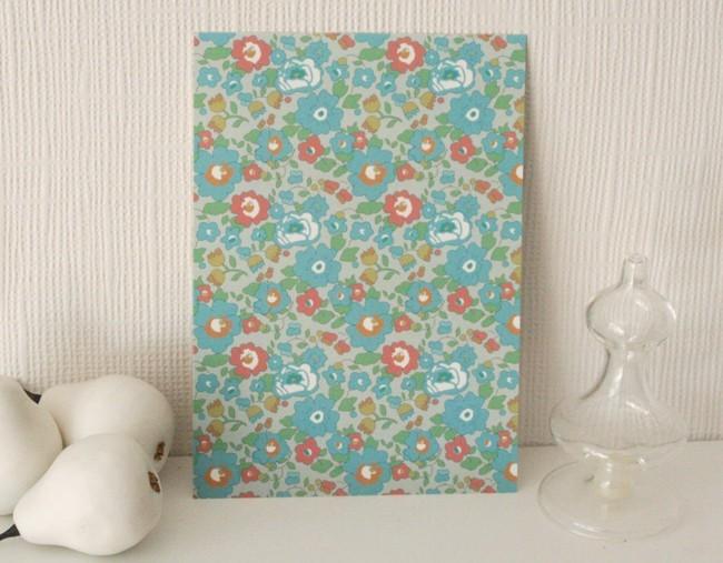 Carte postale Liberty / les fleurs / bleu porcelaine