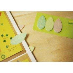 petit bloc de notes autocollantes / les feuilles